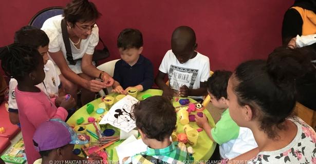 association-soufie-humanitaire-distribution-produits-hygiene-bebe-famille-besoin-atelier-creatif